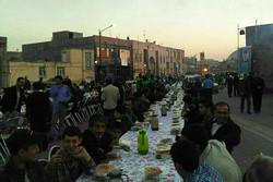 سفره افطاری برای ۹ هزار روزهدار در اردبیل برپا شد
