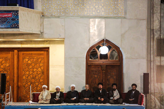 Ceremony honors Imam Khomeini's on his demise anniv.