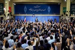 قائد الثورة: بعون الله سيتم اقتلاع الارهابيين