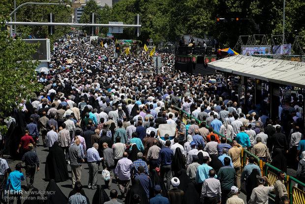 حضور دکتر احمدی نژاد در نماز جمعه و تشییع شهدای حوادث تروریستی اخیر تهران + تصاویر