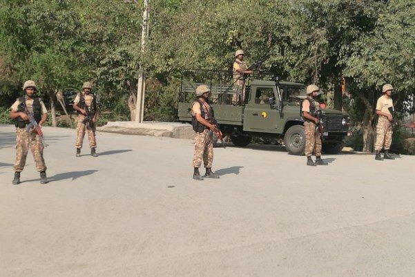 پاکستانی سکیورٹی فورسز نے جنوبی وزير ستان میں طالبان کمانڈر کو ہلاک کردیا