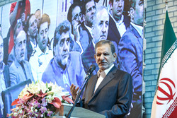 Jahangiri urges government branches to back executive body