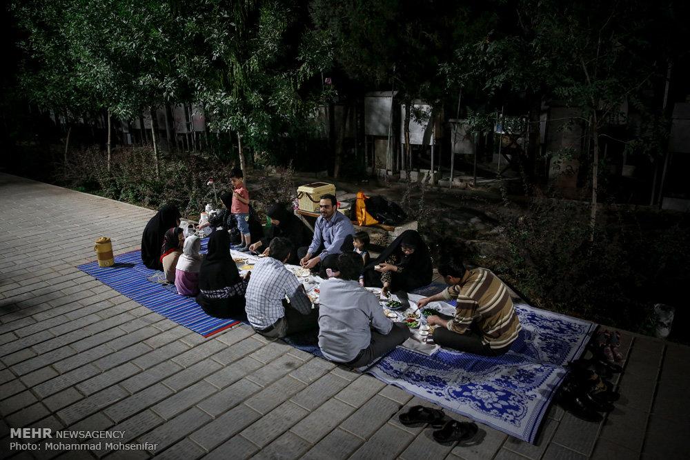 ضیافت افطاری به میزبانی شهدا