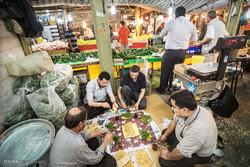 إفطار رمضاني لأصحاب المحال التجارية في أسواق مدينة رشت /صور