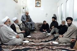 دیدار مدیر حوزه با خانواده شهید تقوی