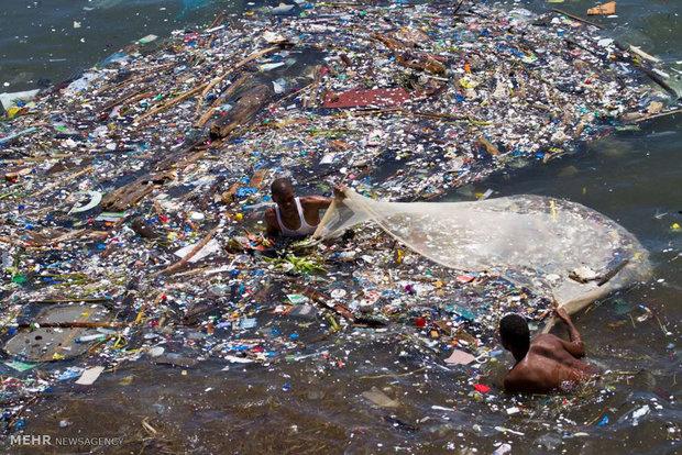 آلودگی اقیانوس ها با زباله های پلاستیکی