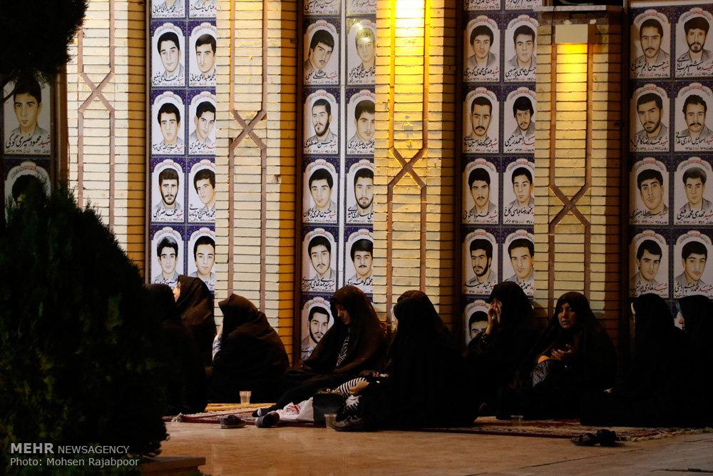 قرائت دعای ابوحمزه ثمالی در گلزار شهدای کرمان