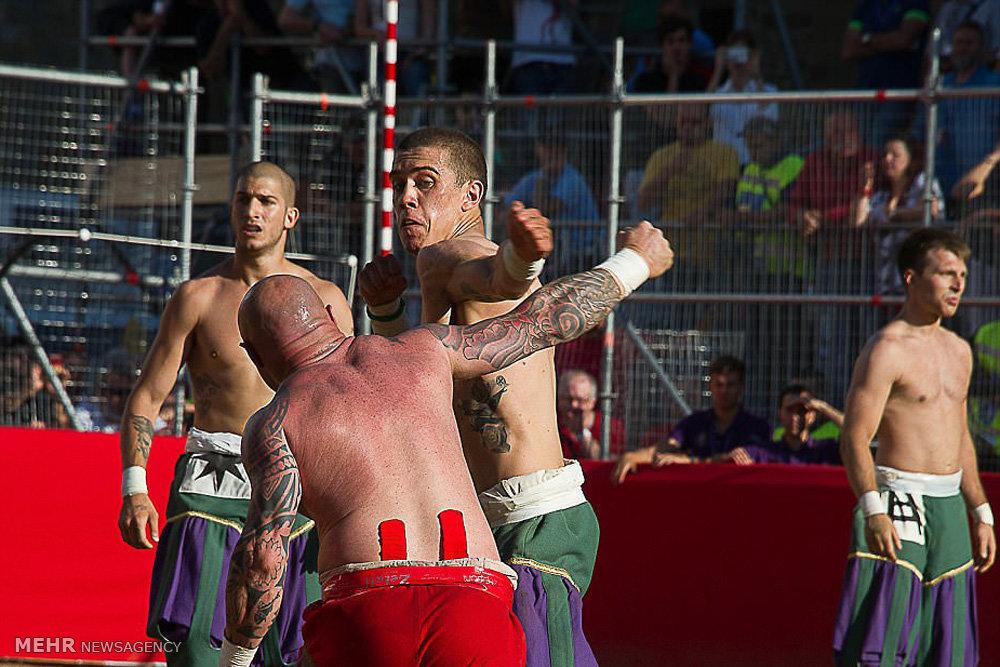 فوتبال خونین در فلورانس ایتالیا
