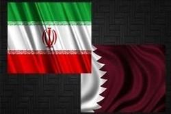 العلم الايراني يرفرف في سماء قطر عربوناً للمودة