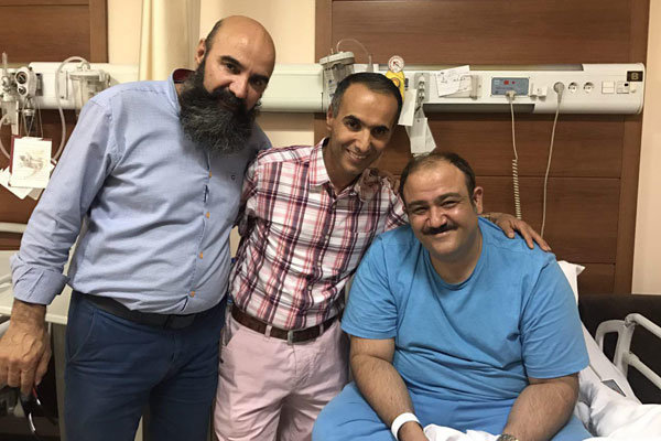 نتیجه تصویری برای عمل جراحی مهران غفوریان