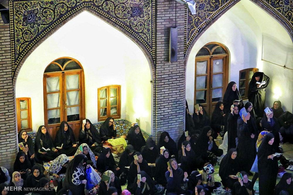 مراسم احیای شب نوزدهم ماه رمضان در مسجد جامع زنجان