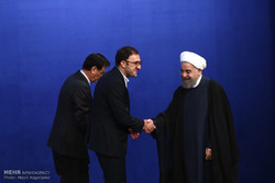 Pres. Rouhani hosts journalists at Iftar banquet