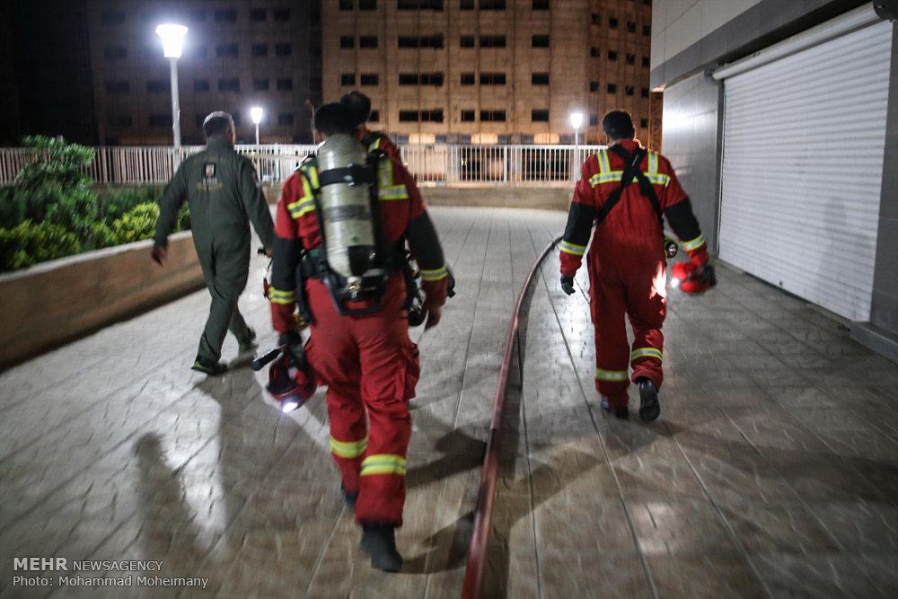 آتش سوزی در برج پامچال دریاچه شهدای خلیج فارس