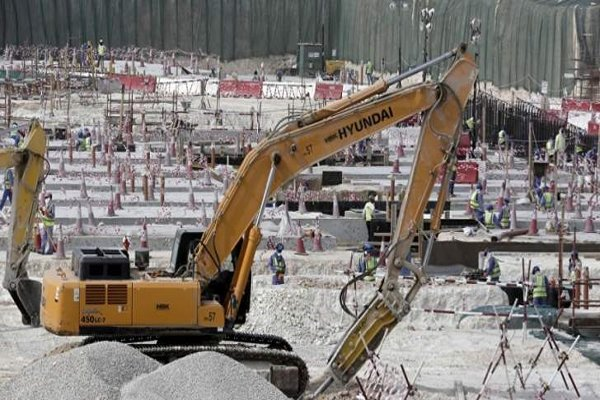 وزير المالية القطري لتايمز: قطر أغنى من أن تهدد