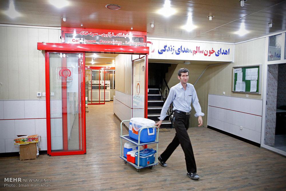 پایگاه انتقال خون همدان در شب بیست و یکم ماه مبارک رمضان