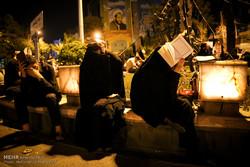 مراسم إحياء ليلة القدر في مسجد الامام الصادق بطهران /صور