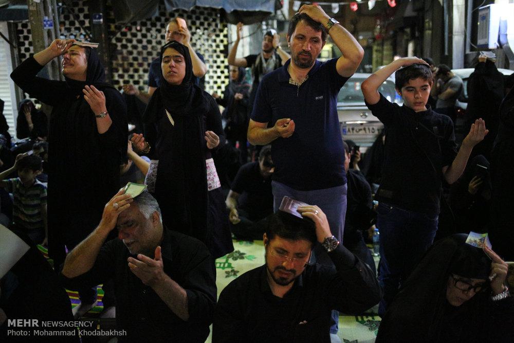 مراسم احیای شب بیست و سوم ماه رمضان در امام زاده علی اکبر(ع)
