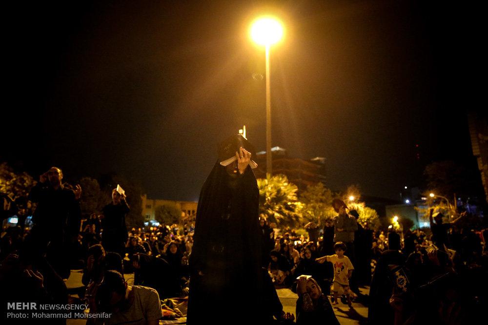 مراسم احیای شب بیست و سوم ماه رمضان در مسجد امام صادق