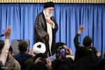 دیدار خانوادههای شهدای مرزبان و مدافع حرم با رهبر انقلاب