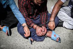 ۳ سارق سیمهای برق در آبادان دستگیر شدند