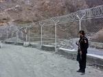 پاکستانی فوج نے افغانستان کی سرحد پر خاردار تار لگانے کا کام شروع کردیا