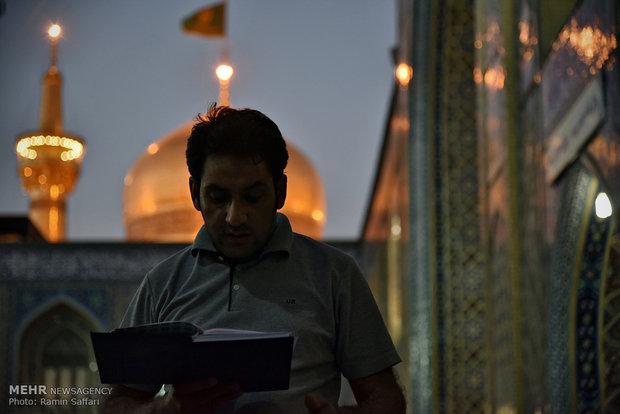 اعتکاف رمضانیه طلاب و دانش آموزان در مسجد گوهرشاد
