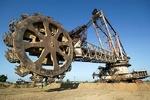 ناتوانی شبکه بانکی از تامین مالی بخش معدن/ نوسازی تجهیزات معدنی در انتظار نقدینگی