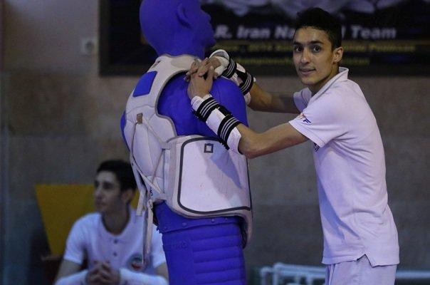 آرمین هادی پور به مرحله نیمه نهایی صعود کرد