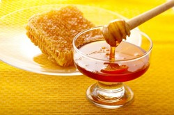 Iran produces 80k tons of honey