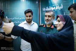 """أمسية شعرية عنوانها """"نهضة الصواريخ"""" بحضور العميد امير علي حاجي زاده"""