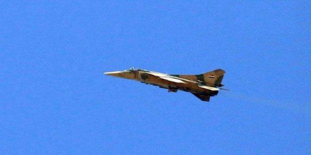 Syrian army destroys ISIL fortifications in Deir Ezzor, Raqqa