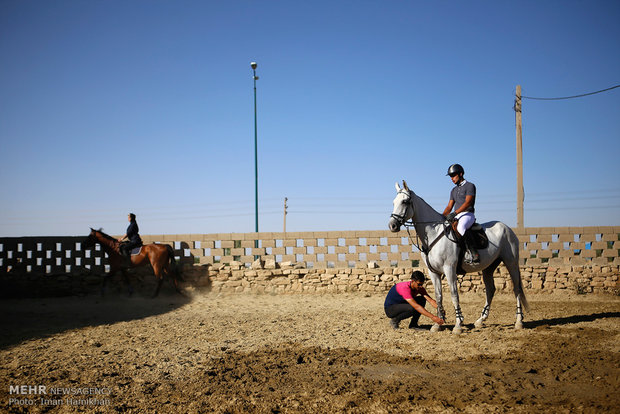 Horse jumping race on Quds Day