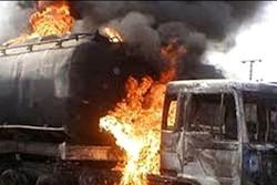 Pakistan'da yakıt tankerinin patladığı an