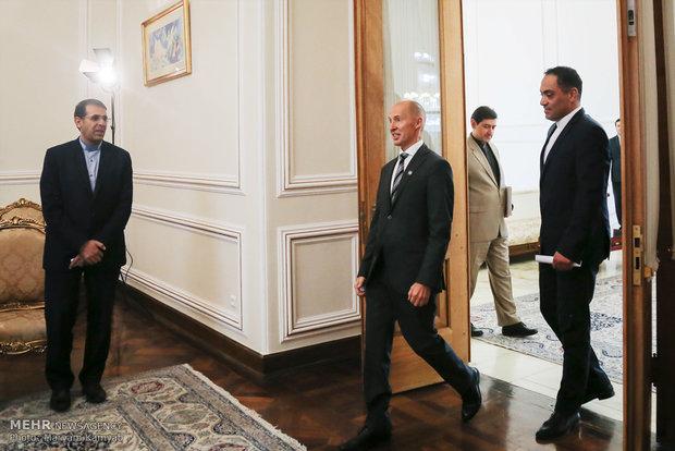 Finlandiya Büyükelçisi'nin Zarif'le veda görüşmesi