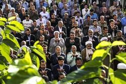 مردم نماز عید فطر را در مصلاهای نماز جمعه اقامه کنند
