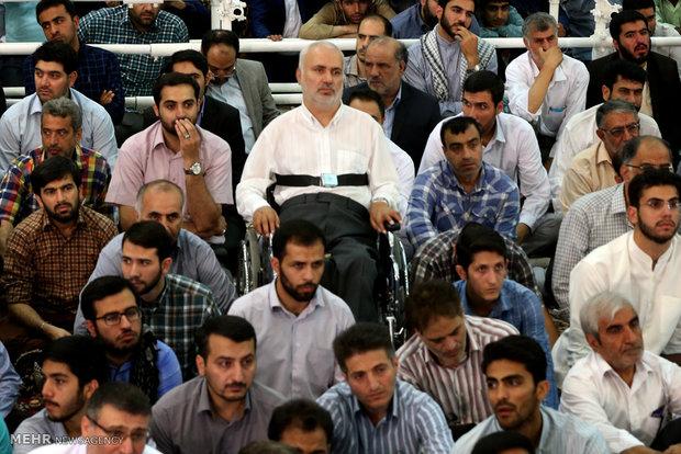 اقامة صلاة عيد الفطر بأمامة قائد الثورة الاسلامية في مصلى الامام الخميني (قدس)