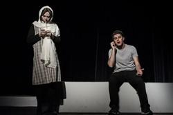 «خشکسالی و دروغ» در تئاتر شهر تبریز به روی صحنه رفت