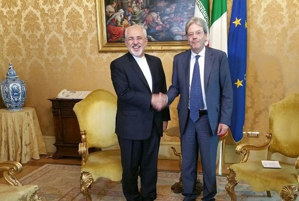 Zarif confers on regional issues with Italian officials