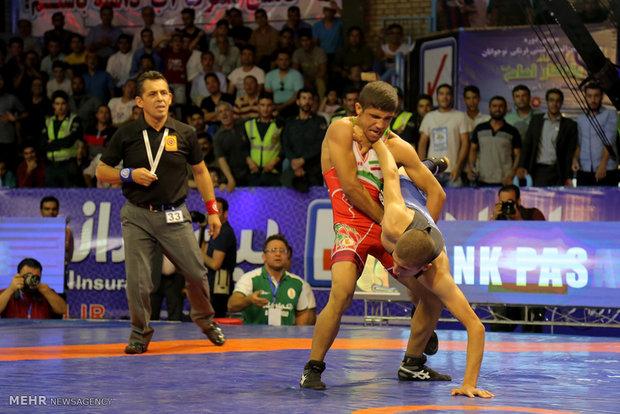 Iranian wrestlers claim title in 2017 Yadegar Imam tournament