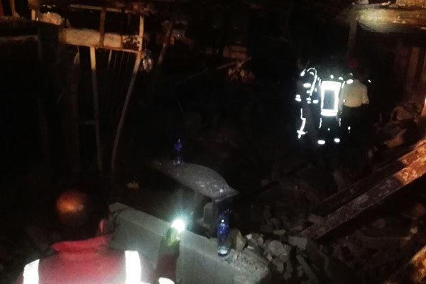 انفجار یک کارگاه در باقرشهر/سگ های زنده یاب آمدند