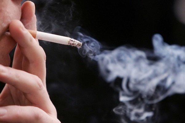 استنشاق دود دست دوم سیگار با خطر نارسایی قلبی همراه است