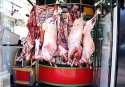 توزیع گوشت گوسفندی ۵۸ هزار تومانی و مرغ ۱۰ هزار و۴۰۰تومانی در هرمزگان