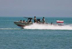 """İran ordusundan Belucistan eyaletinde """"deniz tatbikatı"""""""