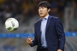 شین تائه - سرمربی تیم ملی فوتبال کره جنوبی