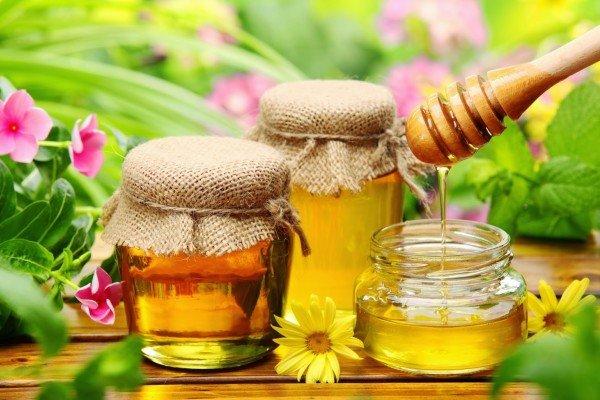ترکیب سیاه دانه و عسل قادر به درمان بیماری کووید ۱۹ است