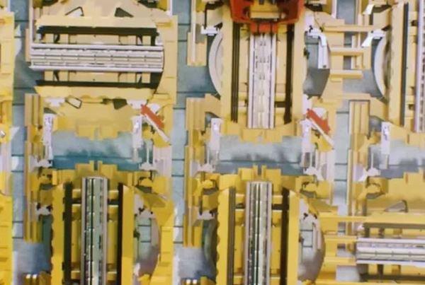 آسانسوری که افقی حرکت می کند