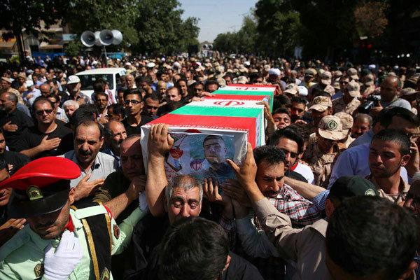 پیکر مطهر سرباز شهید فرشاد رمزی در قزوین تشییع شد