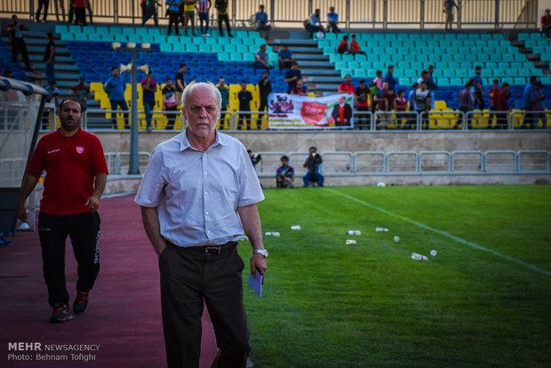اردوی پرسپولیس در ترکیه سمبلکاری بود/پایم را در باشگاه نمیگذارم