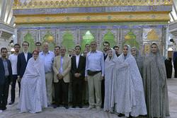 بازدید تیم تحقیقاتی بلژیک از حرم امام