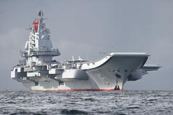مشاهد من حاملة الطائرات الصينية في سواحل مدينة هونغ كونغ